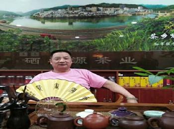 恪守传统·做人与艺术一个根·专访中国书画功勋艺术家刘华